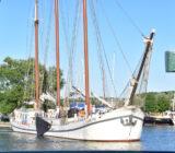 Elizabeth in harbor Monnickendam