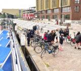 Fluvius cyclists in Dordrecht disembark