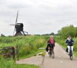 women visit Kinderdijk