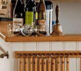 Iris bar wine