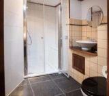 Leafde fan Fryslân Juniorsuite bathroom