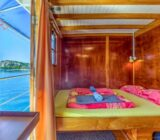 Double cabin above deck