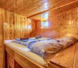 Double cabin below deck