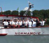 Normandie exterior crew
