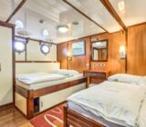 Quadruple cabin xdouble below deck