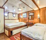 Quadruple cabin xdouble below deck