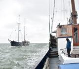 Wapen fan Fryslan and Mare van Fryslan sailing