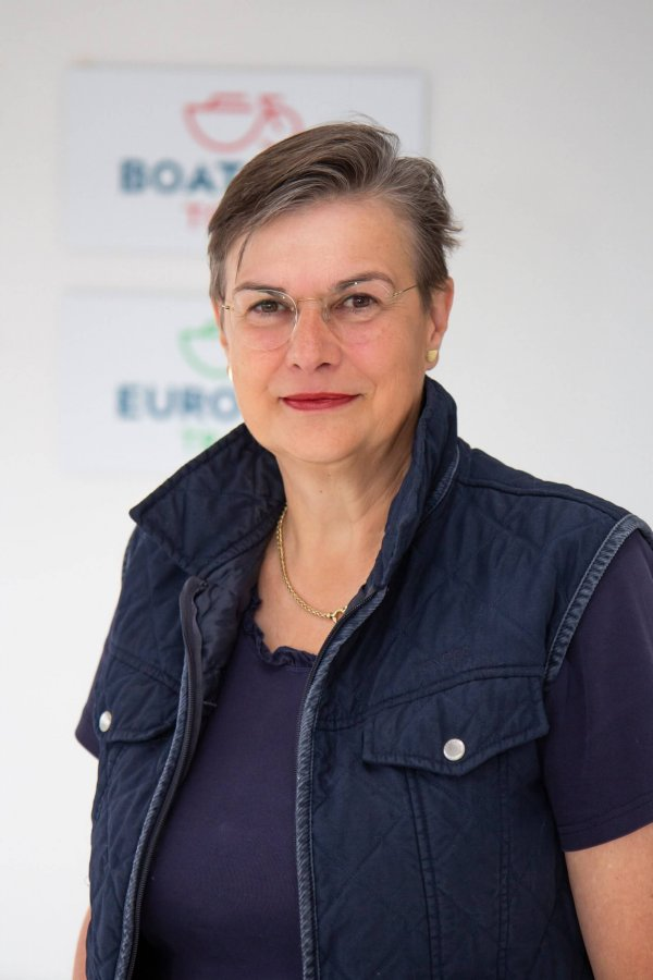 Ingrid van Asch van Wijck   Tour Logistics